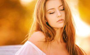 Domowe sposoby na przyciemnienie włosów