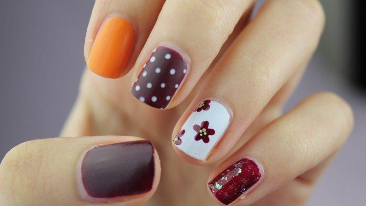 Manicure hybrydowy – jak go zdjąć nie niszcząc paznokcia?