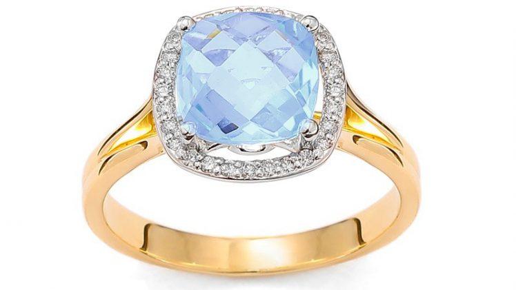 Na co zwrócić uwagę podczas wyboru pierścionka zaręczynowego z niebieskim topazem?