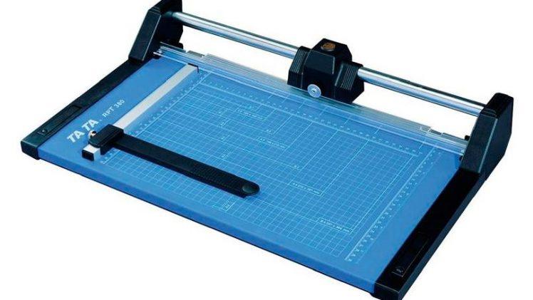 Jaka jest różnica między trymerem a gilotyną do papieru ?