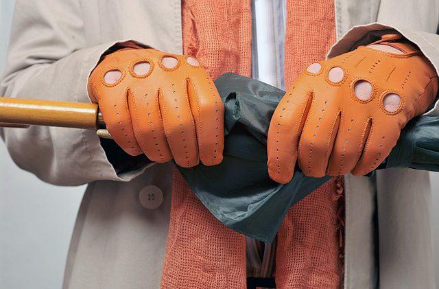 Rękawiczki samochodowe – modne i funkcjonalne akcesorium