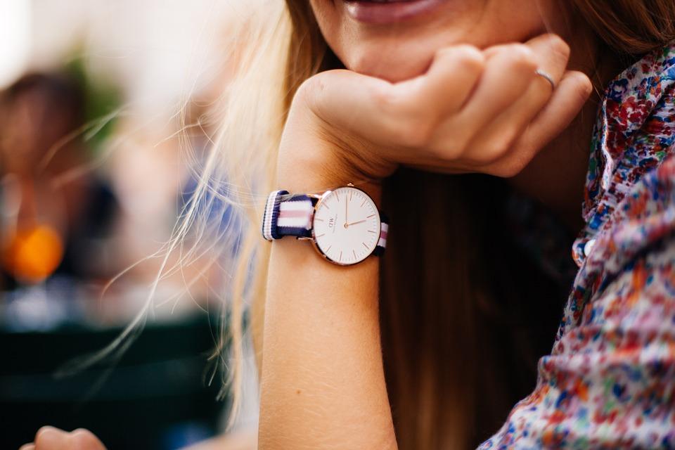 Paski do zegarków a stylizacja – co mają wspólnego